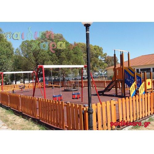 Νέα περιφραγμένη παιδική χαρά με ελαστικό δάπεδο ασφαλείας στον Δήμο Ι.Π.Μεσολογγίου