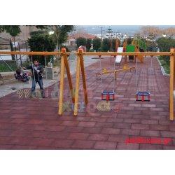 Παιδική χαρά σε κέντρο πόλης με ελαστικό δάπεδο Δήμου Μονεμβασιας