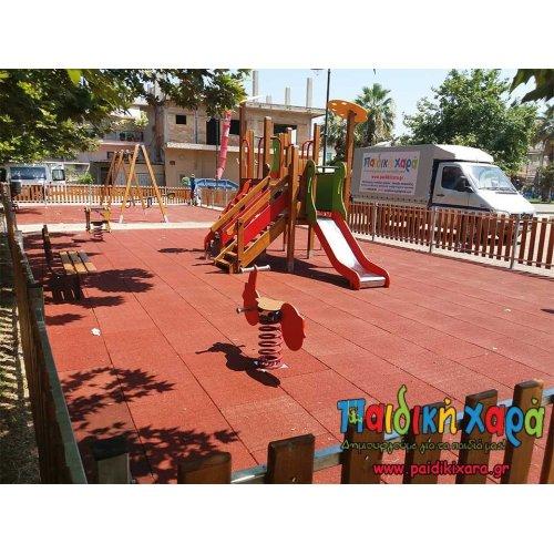 Παιδική χαρά στη πλατεία Γαστούνης