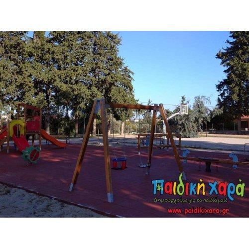 Παιδική χαρά στη Χίο